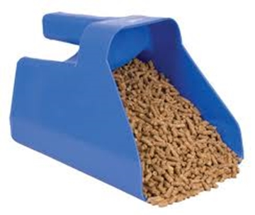 Picture of 3 Qt. Plastic Feed Scoop