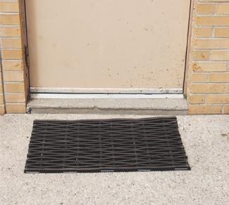 picture of rubber door mat