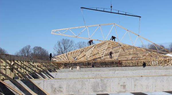 Swining rafters on new farrowing house