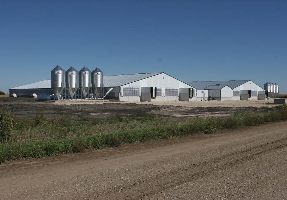 4,800 head wean to finish hog farm constructed by Hog Slat in central Iowa.