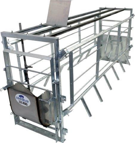 "og Slat Adjustable farrowing crates allow producers to quickly change the overall width of the stall from 19.5"" to 25.5"", providing the ability to ensure proper comfort for pigs ranging in size from gilts to large sows."